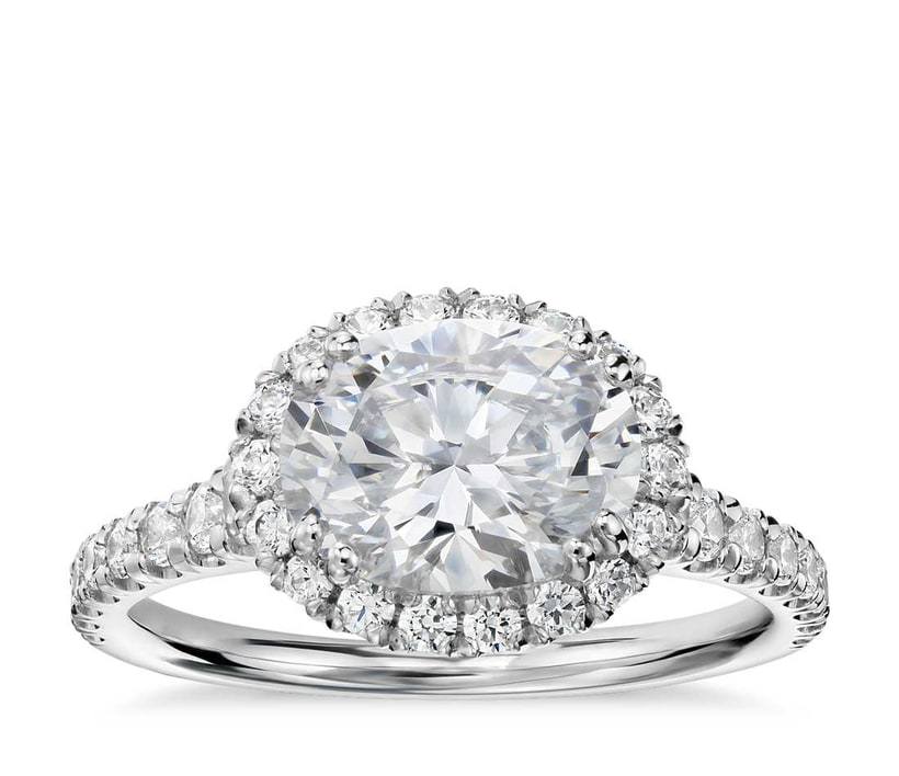 The New Trend For 2017 Oval Shape Diamond Engagement